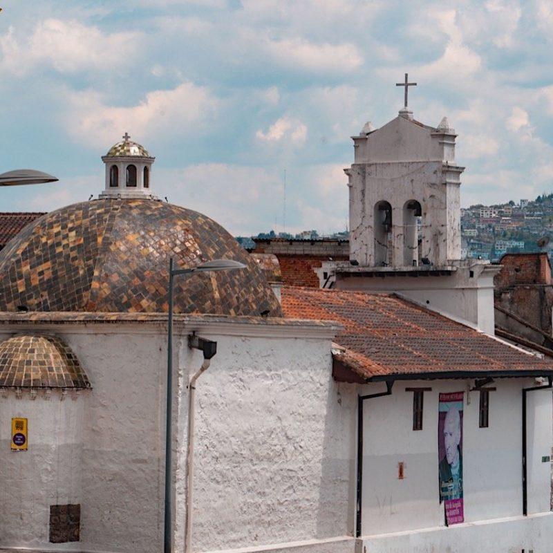 24 De Mayo Streets, Quito . Walk 4 Tips Ecuador