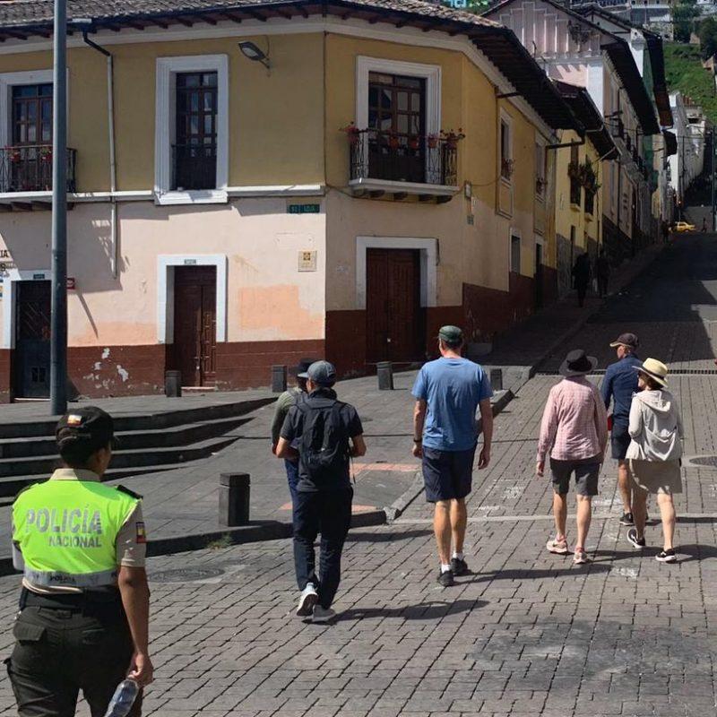 Uphill-walk-challenge-to-El-Panecillo